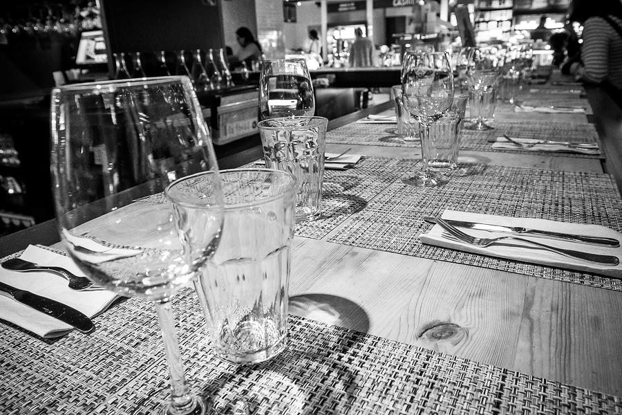 NYC Restaurants Slash Staff over $15 Minimum Wage